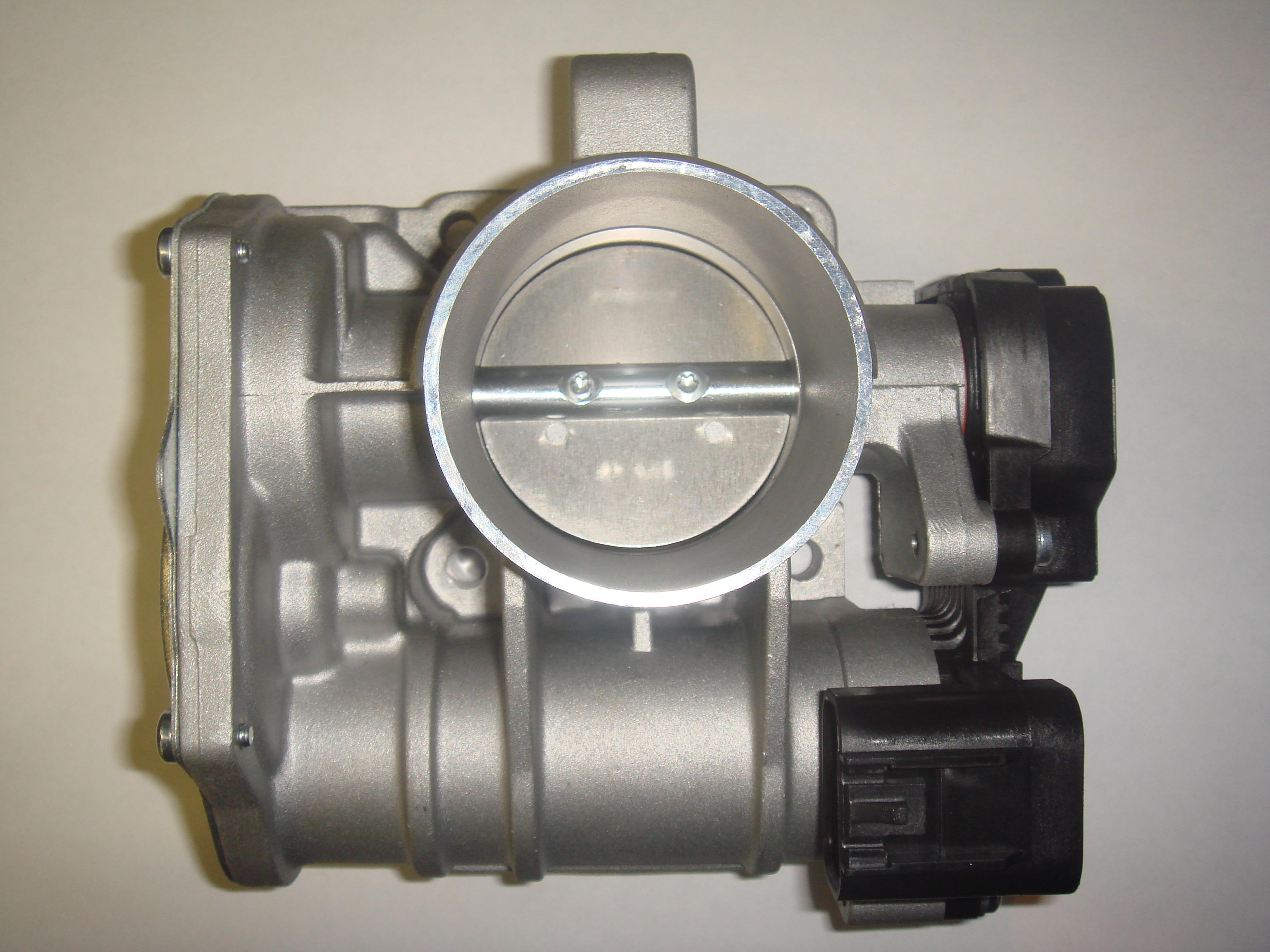Открытие и закрытие дроссельной заслонки осуществляется с помощью электропривода по сигналам с контроллера.